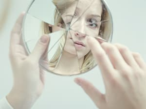 projectknow-shutter356410439-self-esteem